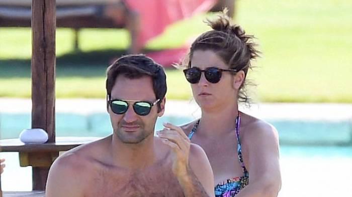 Roger Federer se détend avec sa femme Mirka sur les plages de Sardaigne