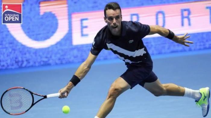 ATP Saint-Pétersbourg: Bautista Agut et Fognini marchent,  Tsonga est battu