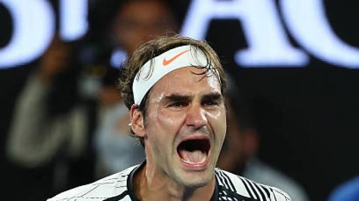 Roger Federer surmonte Connors pour battre un historique  record