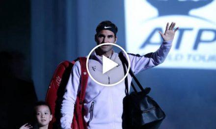 Federer entre dans la cour, devient irréel bienvenue par  Ventilateurs