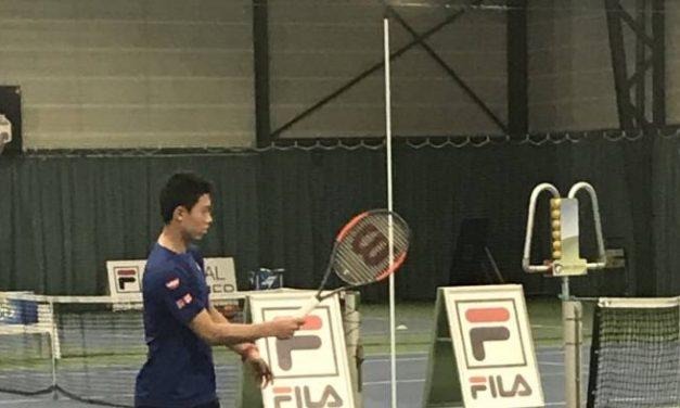 Kei Nishikori est de retour à la pratique à la Clijsters Academy après  blessure au poignet