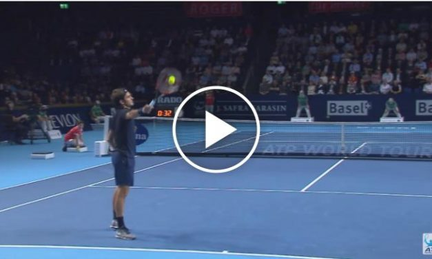 Roger Federer Hot Shot «Catch» Bâle 2015