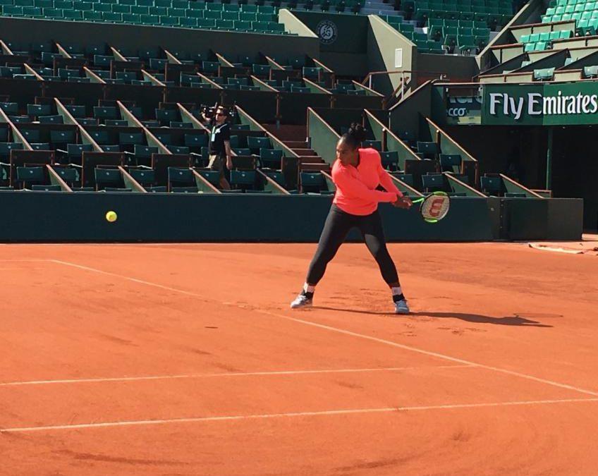 Serena Williams s'entraîne à l'Open de France
