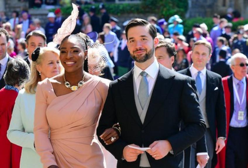 Serena Williams assiste au mariage royal avec elle  mari