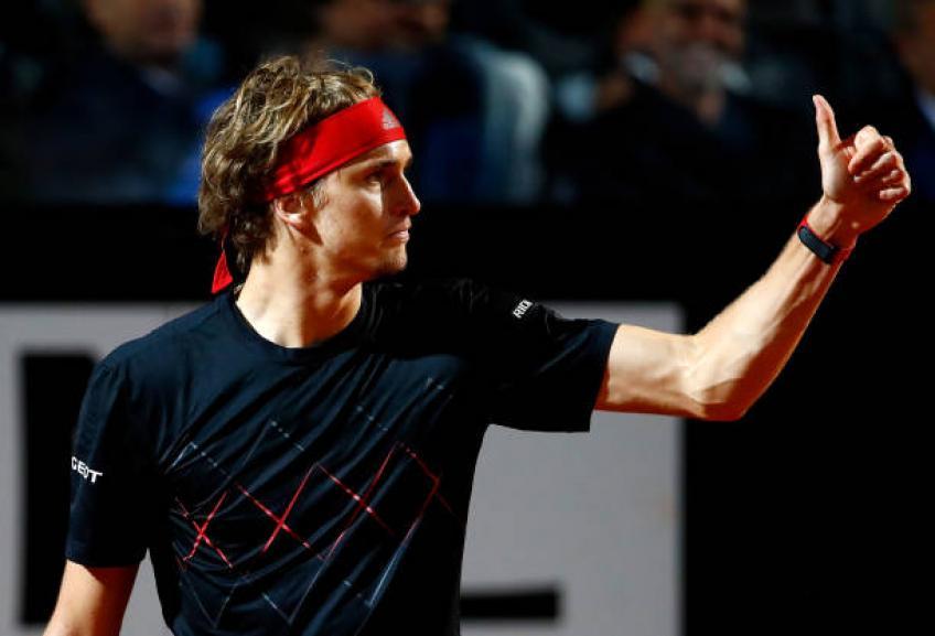 Alexander Zverev donne le racket à Francesco Totti  fils