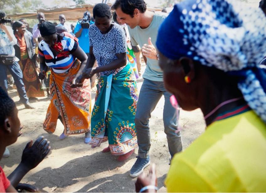 """Roger Federer: """"Visiter l'Afrique me rend motivé pour élever  plus d'argent'"""