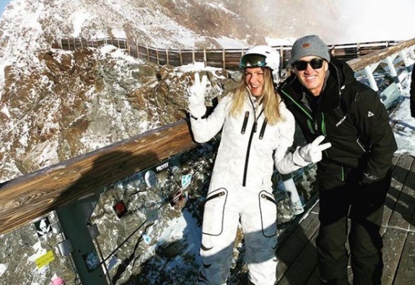 Simona Halep fait du ski avec l'ancien entraîneur Darren Cahill