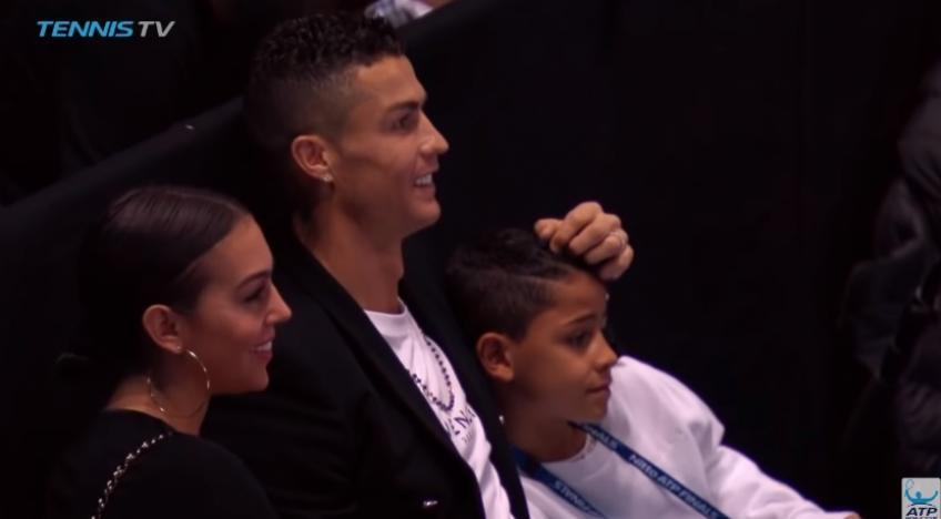 Ronaldo devient un gamin de ballon à la finale Nitto ATP 2018