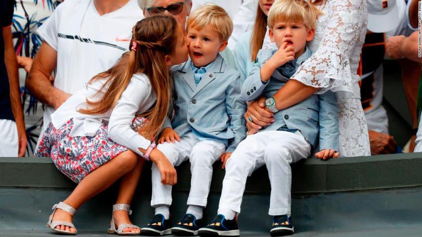 Les quatre enfants de Roger Federer s'intéressent à la Fondation, dit le PDG
