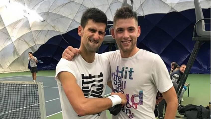 Filip Krajinovic s'entraînera avec Novak Djokovic et Zverev à Monte Carlo