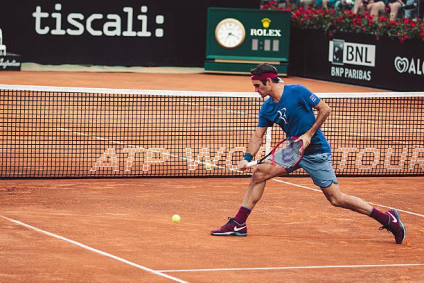 Roger Federer confirme qu'il pourrait jouer sur terre battue en 2019
