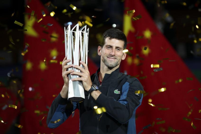 Revue de 2018: Novak Djokovic gagne Shanghai. Medvedev chante 'Gros au Japon'
