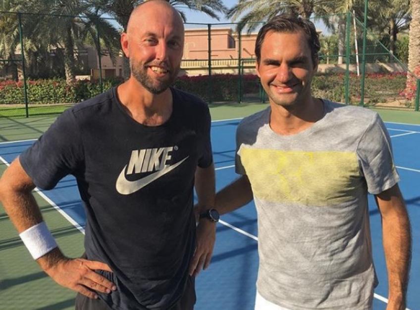 Le partenaire de frappe de Roger Federer à Dubaï trouve un nouvel emploi, vole vers l'Europe