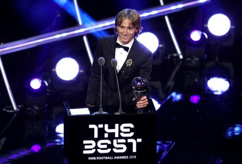 Novak Djokovic félicite Luka Modric pour sa victoire en 2018 ballon d'Or