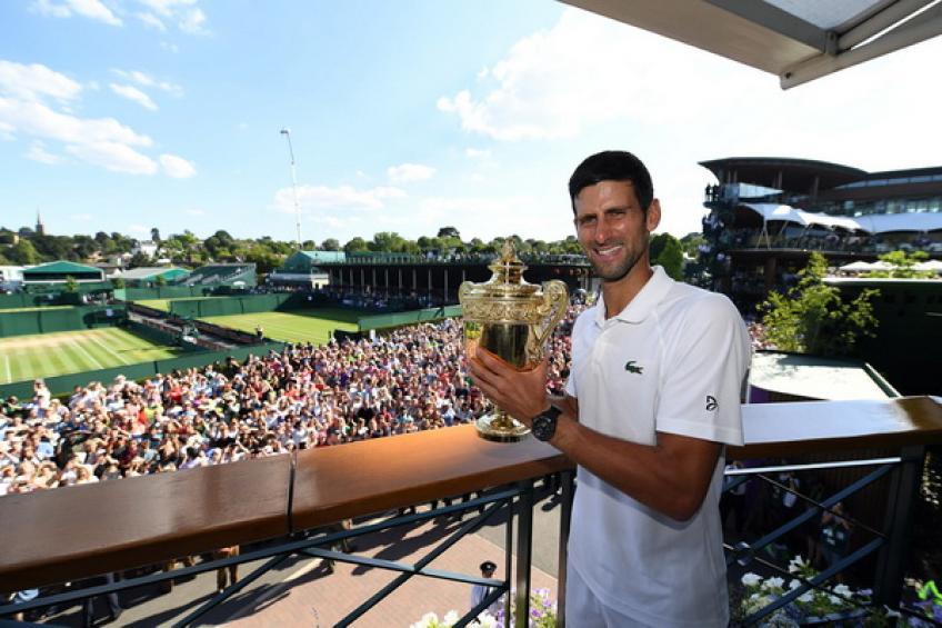 Revue de 2018: Novak Djokovic remporte Wimbledon. Coric étourdit Federer à Halle