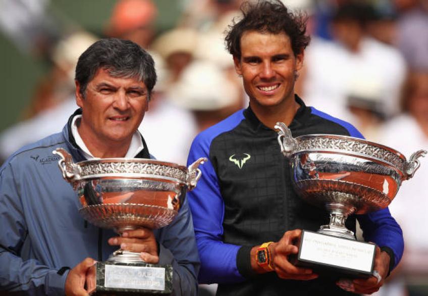Toni Nadal félicite Roger Federer pour avoir découvert une nouvelle tactique contre Rafael