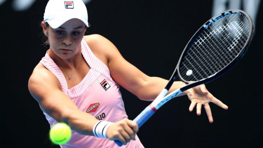 John McEnroe: Barty est le meilleur volleyeur du tournoi féminin Jeu